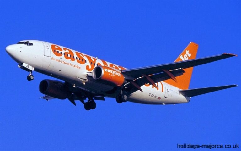 Easyjet plane taking off from Palma airport