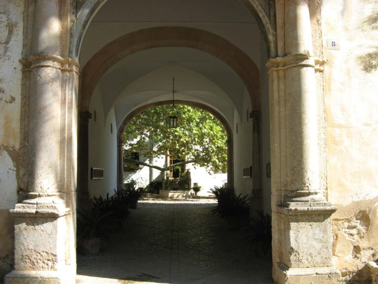 The entrance corridor at the gardens of Alfabia in Majorca