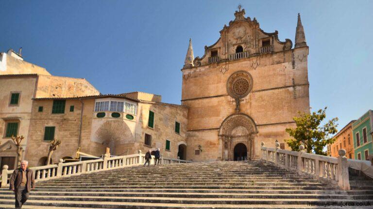 Felanitx church and long walk up the steps