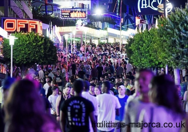Gang of Majorcan youths are stealing from drunk tourists in Magaluf